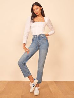 Women Jeans Outfit Bleached Jeans Square Neck Tank Top Casual Clothes Sport Pants Jacket With Fur Hood Jeans And Heels Outfit – gardeniarlily Heels Outfits, Jean Outfits, Girl Outfits, Casual Outfits, Fashion Outfits, Outfit Jeans, Athletic Women, Athletic Wear, European Fashion
