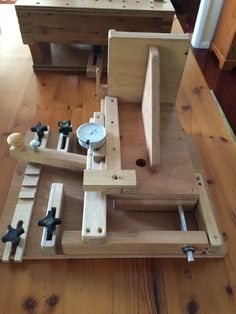 John heiszs router table table plan pinterest router table keyboard keysfo Image collections