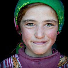 https://flic.kr/p/8owLV9 | Central Asia portrait | Hijab lady | Beautifull girl | Beautifull face of Central Asia. The girl spend the summer months in a yurt, in the middle of the pasture. Visage de l'Asie centrale. Cette jeune fille vit les mois d'été dans une yourte, au milieu des estives.