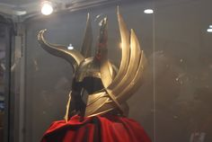 Not quite sure why it took me this long to realize Odin's helmet is a combination of both Thor's and Loki's.