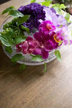 blog du I'llony Natural Beautiful Flowers, Exotic Flowers, Green Flowers, Coffee Table Centerpieces, Orchid Centerpieces, Floral Photography, Flower Of Life, Flower Boxes, Flower Decorations