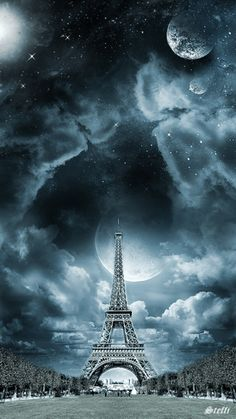 Randomly hand-picked Amazing Eiffel Tower Photos for inspiration to photographers and Paris tourist around the globe. check our daily videos Beautiful Moon, Beautiful World, Beautiful Places, Beautiful Pictures, Beautiful Scenery, I Love Paris, Tours, Belle Photo, Night Skies