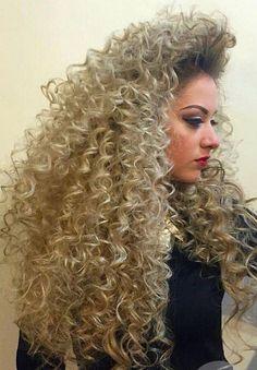 Big Curly Hair, Blonde Curly Hair, Blonde Curls, Curly Hair Styles, Curls Hair, Permed Hairstyles, Pretty Hairstyles, Beautiful Long Hair, Gorgeous Hair