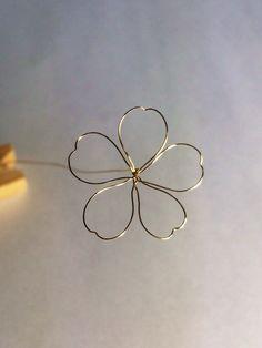 榮 -sakae-on - Nail Polish Ideas Nail Polish Jewelry, Nail Polish Flowers, Nail Polish Crafts, Resin Jewelry, Wire Wrapped Jewelry, Jewelry Crafts, Handmade Jewelry, Jewellery, Wire Crafts