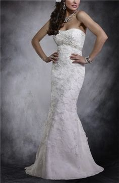 5c7173fc91bc The Sweetheart Flowers Trumpet Wedding Dress is lovely! It can highlight  the best features of