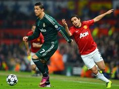 Manchester United y Real Madrid empatan a cero en el primer tiempo.