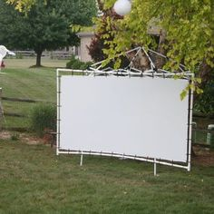 Cheap Portable Projector Screen: 3 Steps (with Pictures)
