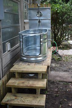 Dog Bathing Station, Diy Dog Wash, Dog Backyard, Outside Dogs, Dog Yard, Dog Rooms, Dog Shower, Outdoor Dog, Dog Boarding