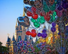 Walt Disney World - Magic Kingdom - Balloons on Main Street