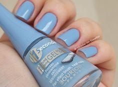 Bleu water. 1 seconde gel. Esmalte importado, muito lindo esse azul clarinho.