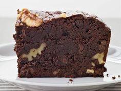 Jumbo Brownies - The best recipe I've tried yet.  226 g unt 340 g ciocolată 50 g făină 6 g praf de copt 2 g sare 3 ouă 240 g zahăr 15 ml extract de vanilie 15 ml espresso tare 90 g chocolate chips