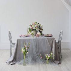 Там, где есть любовь, там и живёт красота. Наши молодожены, спасибо вам за ту потрясающую энергию, идеи, чувства гордости за свою пару! Мы стараемся для вас! Каждое оформление уникально, как и вы сами  #свадьба #свадьбауфа #сервировка #свадьбавуфе #weddingdecoration #weddingdetails #weddingdecor #wedding #weddingufa