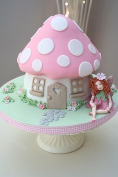 Torten Phantasie Kuchen Hütte Pilz Garten Blumen Pflanze Most of us simply don't have time to shop a Pretty Cakes, Beautiful Cakes, Amazing Cakes, Cake Cookies, Cupcake Cakes, Funny Cake, Cake Tutorial, Celebration Cakes, Cakes And More