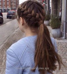 French braid hairstyles are very trendy and fashionable. In different hairstyles, it is best to choose a hairstyle suitable for hair texture and length. French braid hairstyles are also the eternal classic hairstyle, Two French Braids, French Braid Ponytail, French Braid Hairstyles, Braids Into Ponytail, French Braid Styles, Long Ponytails, Ponytail Hairstyles With Braids, Long Hair Ponytail Styles, Hairdos