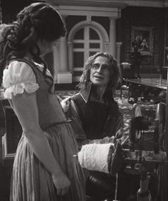 This is such a cute scene! I immediately fell in luv with them in this episode! Luv Belle! Luv Rumple!