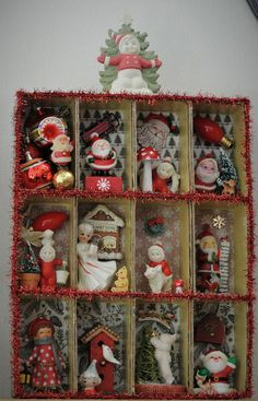 I created this Christmas shadowbox from my collection of miniatures and ornaments. diy christmas gifts, homemade christmas cards, christmas gifts dyi created this Christmas shadowbox from my collection of miniatures and ornaments. Vintage Christmas Crafts, Christmas Craft Projects, Christmas Card Crafts, Homemade Christmas Cards, Christmas Store, Outdoor Christmas Decorations, Retro Christmas, Christmas Art, Holiday Crafts