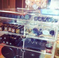 lucite make up organization