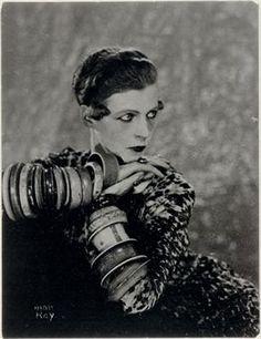 Nancy Cunard, 1927