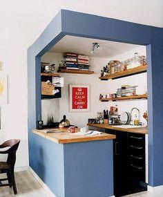 Cozinha modulada com estilo jovial.