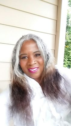 the stage my hair is gray on top ends brownish/red Beautiful.the stage my hair is gray o Long Gray Hair, Silver Grey Hair, Grey Hair Inspiration, Gray Hair Growing Out, Pretty Hairstyles, Gray Hairstyles, Natural Hair Styles, Long Hair Styles, Ageless Beauty