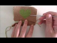 Crochet purse with woven tapestry technique zipper - YouTube