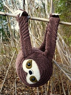 Baby Sloth Plush - she doesn't have instructions, but she does describe a little bit how she did it and what she used.