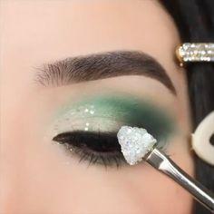 makeup eyeshadow prom makeup Egirl glamMint chocolate chip vibes Would you wear it By: ashleykaylamakeup Makeup, Eye Makeup, Eyeshadow Looks. Mint Eyeshadow, Colourpop Eyeshadow, Eyeshadow Looks, Beauty Hacks Acne, Beauty Makeup Tips, Makeup Inspo, Makeup Ideas, Dark Skin Makeup, Smokey Eye Makeup