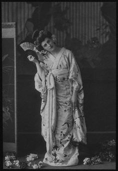 W. & D. Downey, Actress Evelyn Millard in Madame Butterfly, late 19th ct
