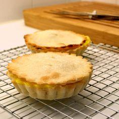 Langere avonden = meer taartjes! Deze zijn gevuld met vanillepudding en bosbessen  #baking #bakingfun #glutenvrij #lactosevrij #fructosearm #fodmap #ibs #ibsfriendly #lowfodmap #glutenfree #lactosefree #lowfructose #pie #dough #taart #gebak #Herta #bakken #filetfodmap #foodie #bosbessen #pudding #blueberry #sweettooth