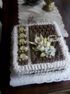 ** Dort krémový s marcipánovými květy ** Cakes, Food, Pastries, Food Cakes, Meal, Essen, Cake, Torte, Tarts