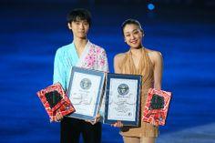(L-R) Yuzuru Hanyu, Mao Asada, APRIL 11, 2014 - Figure Skating : Stars on Ice Japan Tour 2014 at 1st Yoyogi Gymnasium, Tokyo, Japan. (Photo by Yohei Osada/AFLO SPORT) (512×341)