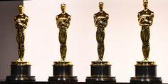 """""""Mank"""", film Netflix en noir et blanc, est en tête des nominations pour cette cérémonie des Oscars 2021, décalée de deux mois à cause de la crise sanitaire. Marie Claire, Netflix, Candle Sconces, Candle Holders, Wall Lights, Candles, Culture, Orange, Film"""