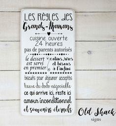 Un cadeau déco pour le salon, la cuisine ou un autre endroit dans la maison: ce tableau avec les règles des grands-mamans! Il y a aussi des tableaux pour des grands-parents, avec les règles de la maison et bien plus encore! Cliquez l'épingle pour plus d'informations. #mamie #grandmere #cadeaugrandmere #fetedesgrandsmeres #deco #reglesdelafamille #reglesdelamaison #cadeaudeco #cadeaumaison #decoration #citation #citationfamille #cuisine