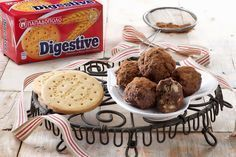 "Tρουφάκια σοκολάτας με ταχίνι και μπισκότα ""Digestive"" ΠΑΠΑΔΟΠΟΥΛΟΥ"