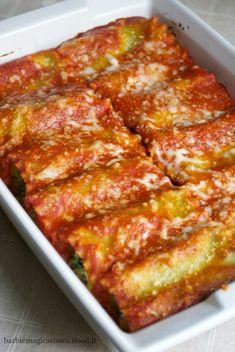 Rotolini di lasagne con ricotta e spinaci ✫♦๏☘‿TU Oct ✤ ❀‿❀ ✫❁`💖~⊱ 🌹🌸🌹 ⊰✿⊱ ❥༺✿༻♛༺ ♡~♥⛩ ⚘☮️❋ Dinner Recipes For Kids, Lunch Recipes, Pasta Recipes, Cooking Recipes, Italian Dishes, Italian Recipes, Italian Cooking, Pasta Company, Vegetarian