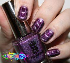 Magnetic nailart #aengland #crownofthistles #nailart #nails #magneticpolish