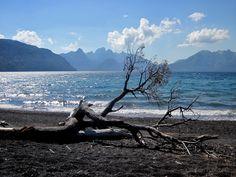 Lago Tromen. Parque Nacional Lanin, Argentina.