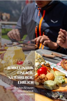 Jetzt schon mal für euren Wanderurlaub schmöckern Bergen, Tourism, Hiking, Simple, Mountains