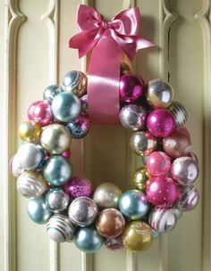 Cristmas decoration can be simple but pretty