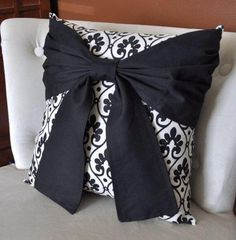 So Pretty! Black Bow on Designer Fabric Pillow 16 Bow Pillows, Cute Pillows, Nautical Pillows, Sewing Pillows, Accent Pillows, Fabric Design, Decorative Pillows, Sewing Crafts, Pretty