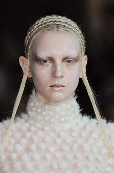 Elf (Alexander McQueen Runway Paris Fashion Week Fall 2014.,Makeup: Pat McGrath)