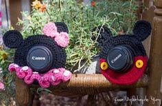 These Mickey and Minnie Mouse Lens Buddies are a fantastic Photography Prop and a great way to get the little ones to smile for the camera. They're fun and easy to make and are FREE Crochet Patterns.