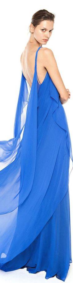 Christos Costarellos spring summer 2016 Yves Klein, Blue Fashion, Colorful Fashion, Womens Fashion, Fashion Models, Fashion Trends, Fashion 2016, Shades Of Teal, Color Azul