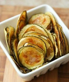 Crispy baked parmesan zucchini chips make the perfect healthy snack! These low-carb zucchini chips use simple ingredients and take just 25 minutes to make. Veggie Recipes, Low Carb Recipes, Cooking Recipes, Easy Recipes, Recipes Dinner, Beef Recipes, Jackfruit Recipes, Recipies, Amazing Recipes