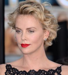 Short Wavy Hair - The Art Of Grandiose