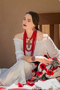 Rocki Gorman designer of jewerly and clothing in Santa Fe, New Mexico USA Quintessential Santa Fe Collection Fashion 2017, Look Fashion, Latest Fashion Trends, Womens Fashion, Fashion Design, Fashion Poses, Fashion Outfits, Fashion Tips, Mexican Fashion