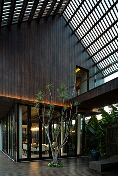 Gallery of DRA House in Bali / D-Associates - 11