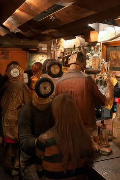 'The Beanery' van Edward Kienholz in het Stedelijk Museum Amsterdam.  This is an amazing installation by one of my favorite artists. Seeing it in person is trippy.