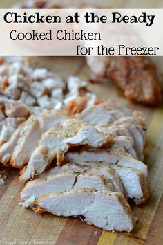 Having a few meals or meals starts in the freezer is sure a lifesaver on a busy day. Stocking the freezer is easier than you might think. I do a quick session of freezer cooking to make meat packages. (Easy Meal On A Budget Freezer Cooking) Freezing Cooked Chicken, Chicken Freezer Meals, Ways To Cook Chicken, Cooked Chicken Recipes, Crockpot Recipes, Freezer Recipes, Dump Meals, Cheap Recipes, Budget Recipes