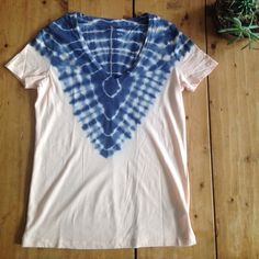 Super soft v-neck t-shirt from UO Peach color with partial blue tie dye. BDG Tops Tees - Short Sleeve